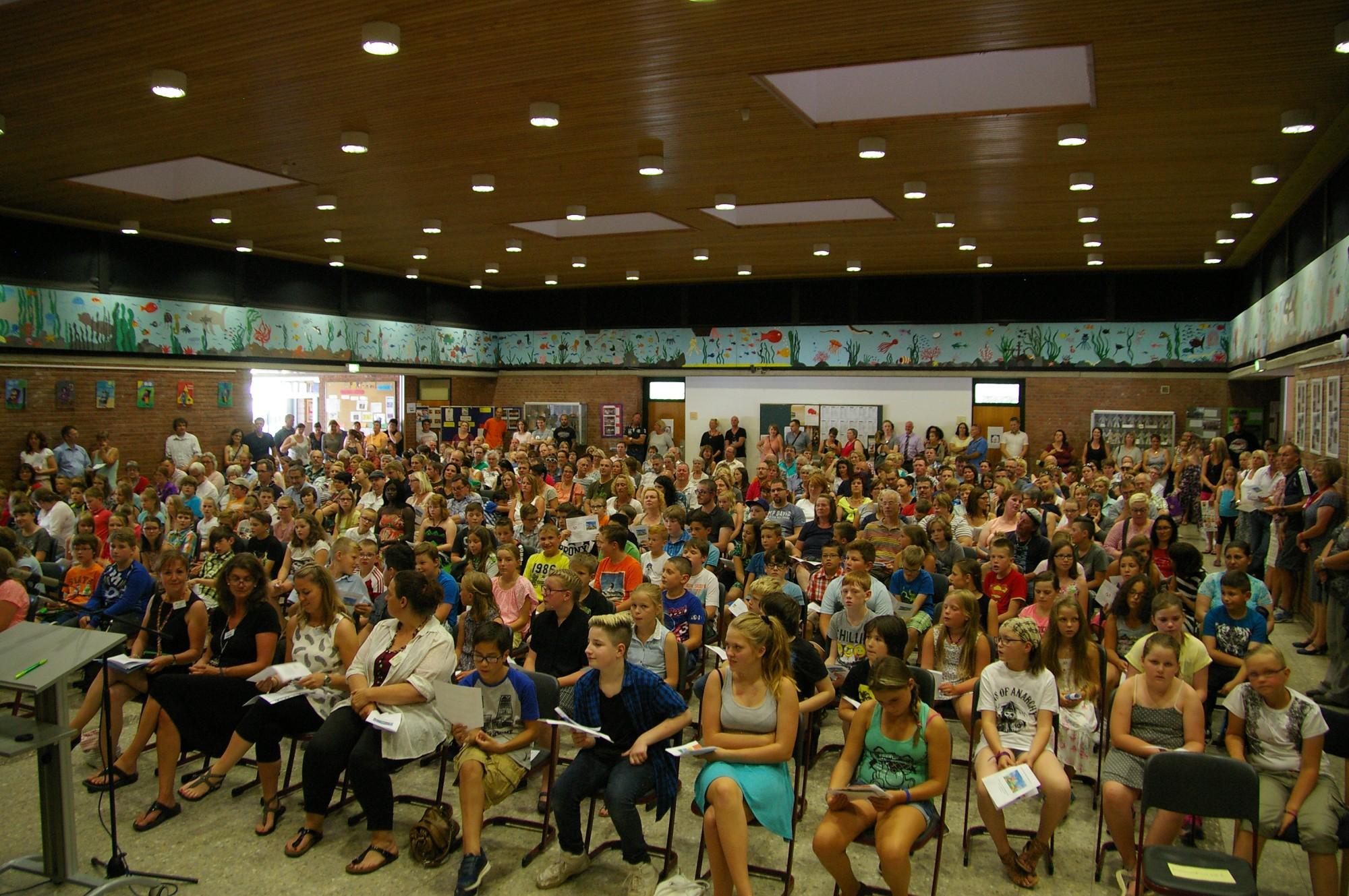 Gesamtschule Eifel begrüßt 130 neue Schülerinnen und Schüler