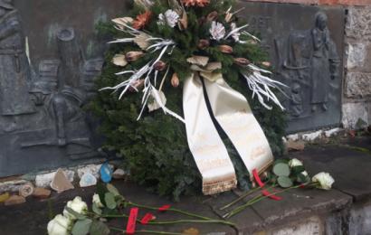 """""""Nie wieder"""" – Schüler der Gesamtschule Eifel gestalten Volktrauertag 2019 mit"""