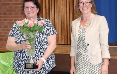 Schulsekretärin Hildegard Struben nach 56 Dienstjahren in den Ruhestand verabschiedet